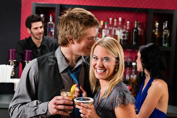 Gelukkig vrienden dranken cocktail bar Stockfoto © CandyboxPhoto