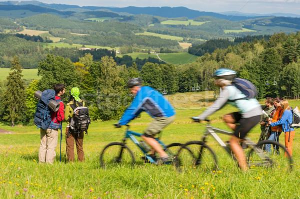 Mensen wandelen paardrijden fietsen weekend Stockfoto © CandyboxPhoto