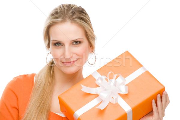 Apresentar mulher celebração manter feliz jovem Foto stock © CandyboxPhoto