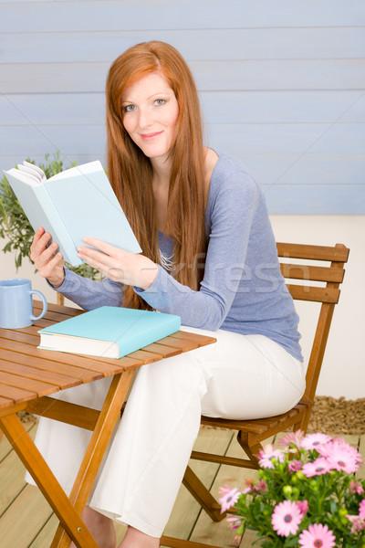 Сток-фото: лет · терраса · женщину · расслабиться · книга