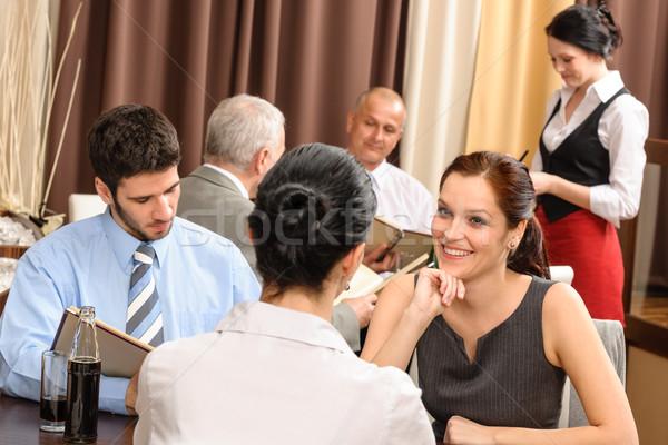 ストックフォト: ビジネス · ランチ · 執行 · 女性 · レストラン