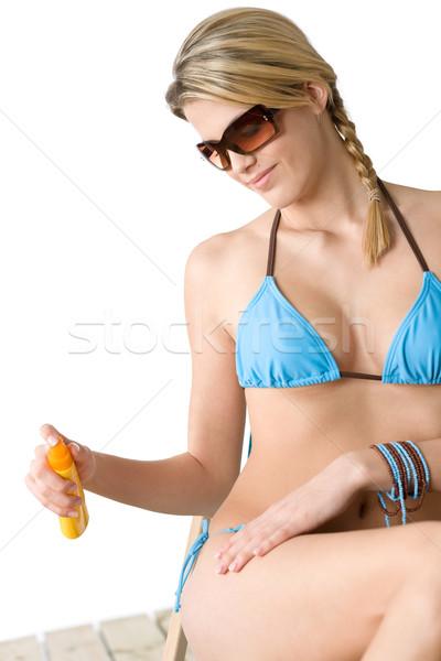Plaży młoda kobieta opalenizna mleczko kosmetyczne bikini okulary Zdjęcia stock © CandyboxPhoto