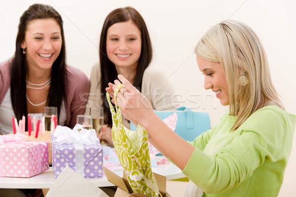Photo stock: Fête · d'anniversaire · femme · présents · célébrer · champagne · gâteau