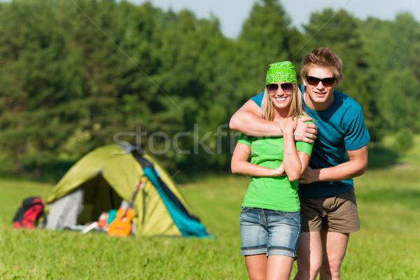 Jovem camping casal verão Foto stock © CandyboxPhoto
