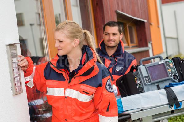 Emergência casa chamar médico visitar ambulância Foto stock © CandyboxPhoto
