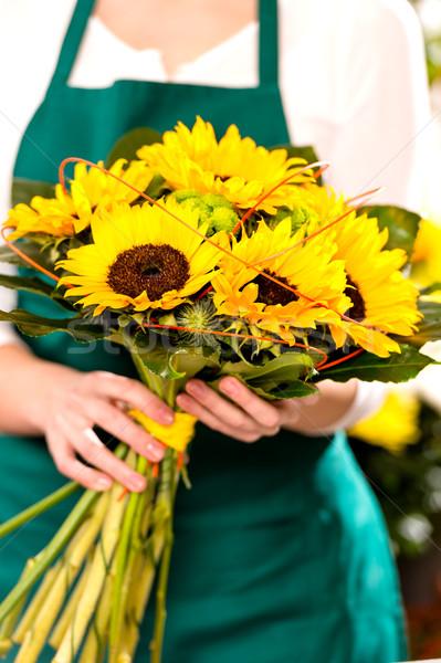 Foto stock: Mujer · ramo · girasoles · florista · flor · amarilla