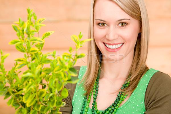 Stok fotoğraf: Portre · mutlu · kadın · bitki · bahar