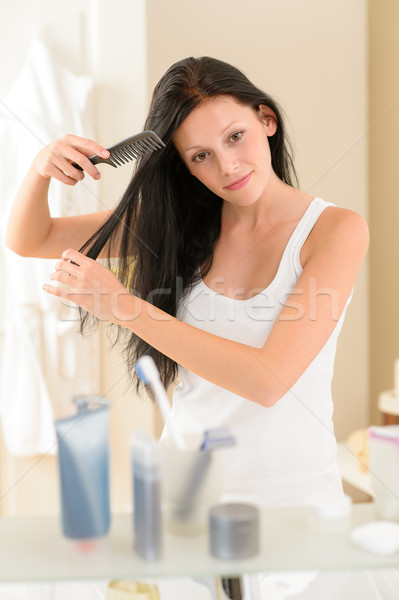 Stockfoto: Badkamer · vrouw · kam · haren · spiegel