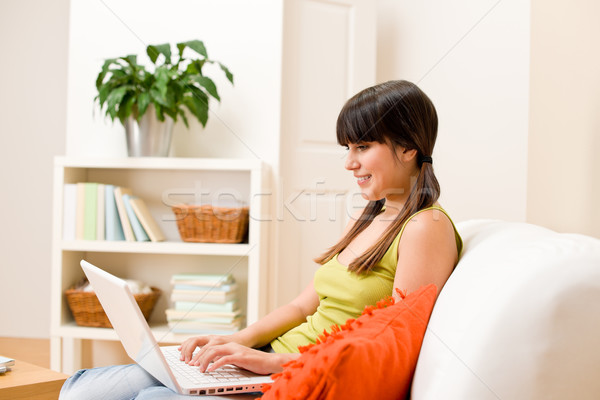 подростку девушки расслабиться домой счастливым ноутбука Сток-фото © CandyboxPhoto