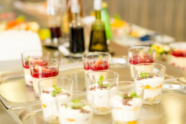 Crémeux tasse desserts argent plateau cafétéria Photo stock © CandyboxPhoto