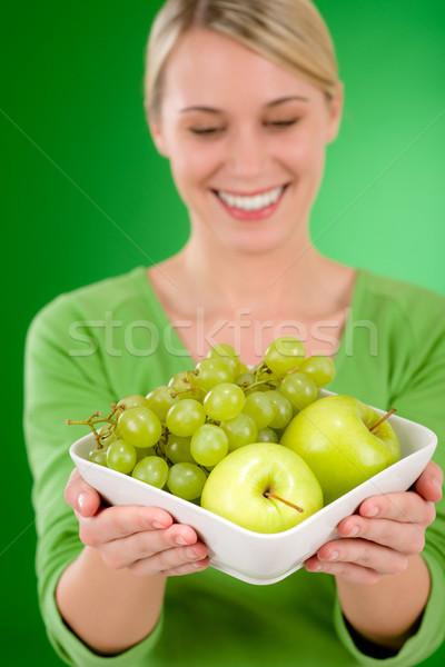 Stok fotoğraf: Kadın · çanak · meyve · elma