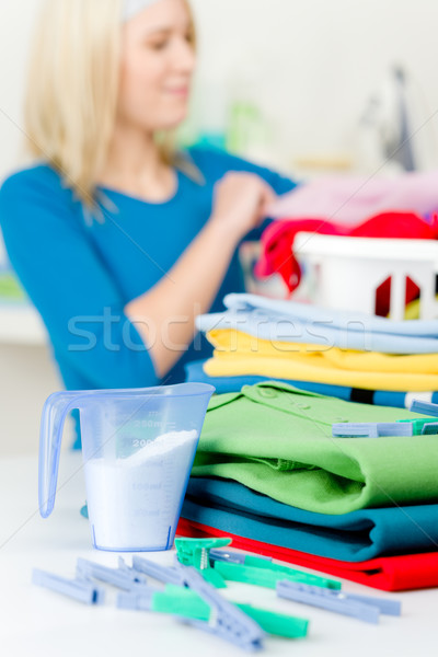 Lavanderia prendedor de roupa mulher roupa feliz casa Foto stock © CandyboxPhoto