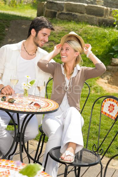 Foto d'archivio: Ristorante · terrazza · elegante · Coppia · romantica · felice