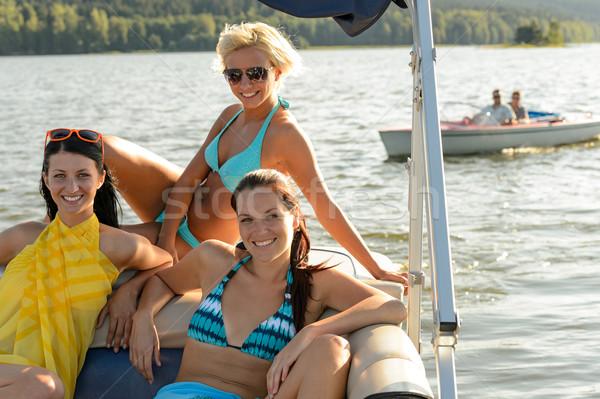 солнечные ванны лодка парусного озеро воды Сток-фото © CandyboxPhoto