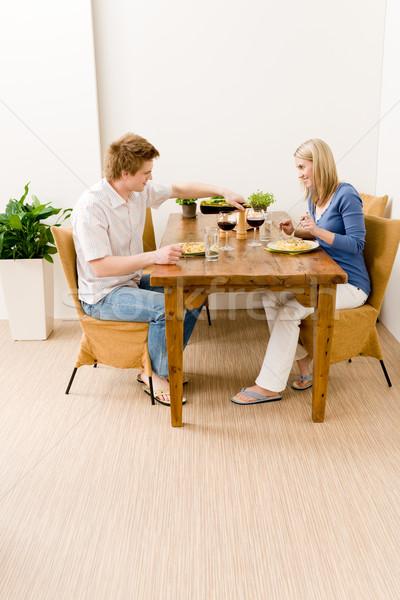 Obiedzie romantyczny para cieszyć się wina jeść Zdjęcia stock © CandyboxPhoto