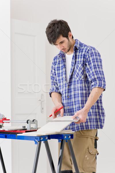 Mejoras para el hogar manitas corte azulejo cerámica taller Foto stock © CandyboxPhoto