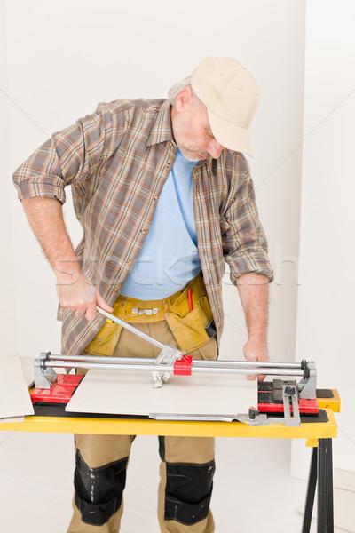 Home improvement klusjesman gesneden tegel interieur vloer Stockfoto © CandyboxPhoto