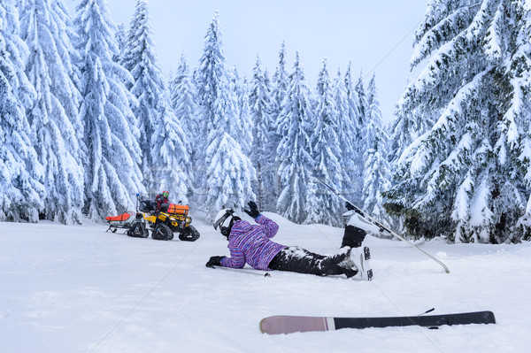 Gewond skiër ongeval wachten redding berg Stockfoto © CandyboxPhoto