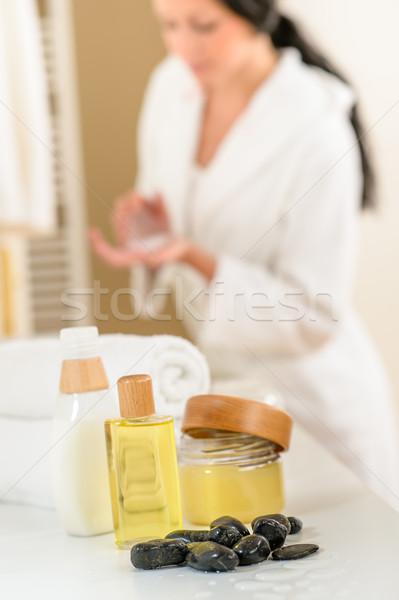 Fürdőszoba test törődés termékek törölközők közelkép Stock fotó © CandyboxPhoto
