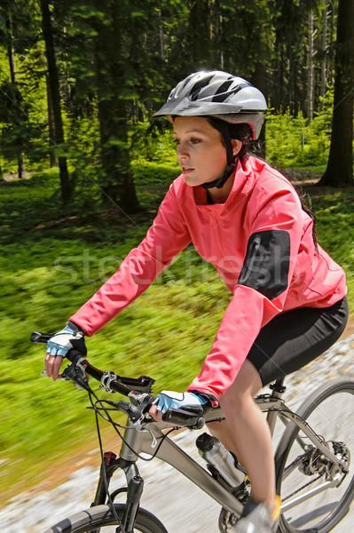 Mulher mountain bike floresta treinamento raça Foto stock © CandyboxPhoto