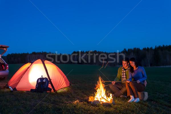 Foto stock: Tenda · camping · carro · casal · sessão · fogueira