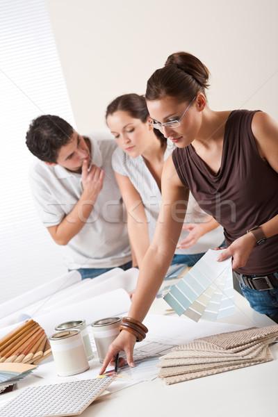Femenino decorador de interiores dos oficina Foto stock © CandyboxPhoto