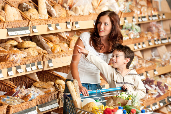 élelmiszerbolt vásárlás nő gyermek áruház választ Stock fotó © CandyboxPhoto