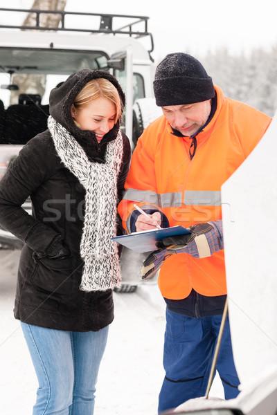 Donna documento auto rotta neve meccanico Foto d'archivio © CandyboxPhoto