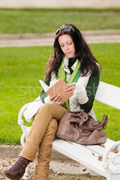 Stockfoto: Najaar · park · bank · jonge · vrouw · lezen · boek
