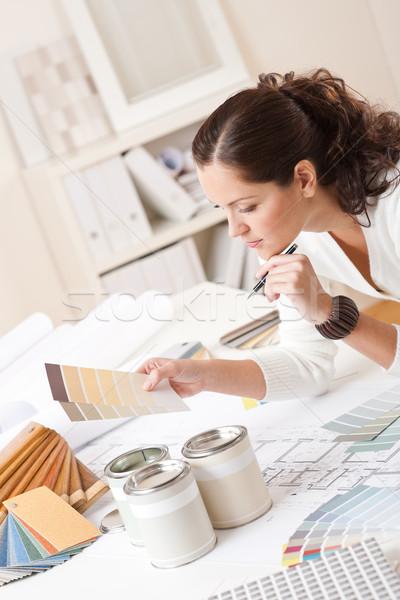 Fiatal női belsőépítész iroda festék szín Stock fotó © CandyboxPhoto