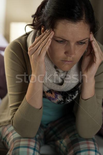 ストックフォト: 若い女性 · 頭痛 · 肖像 · 女性 · 小さな