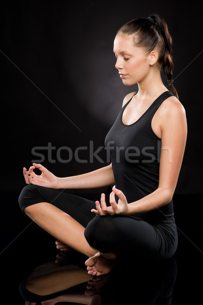 Foto stock: Mulher · jovem · meditando · mulher · saúde