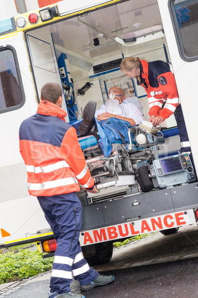 Patient ambulance voiture aide homme Photo stock © CandyboxPhoto