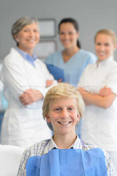 Adolescente paciente profissional dentista equipe cirurgia dentária Foto stock © CandyboxPhoto