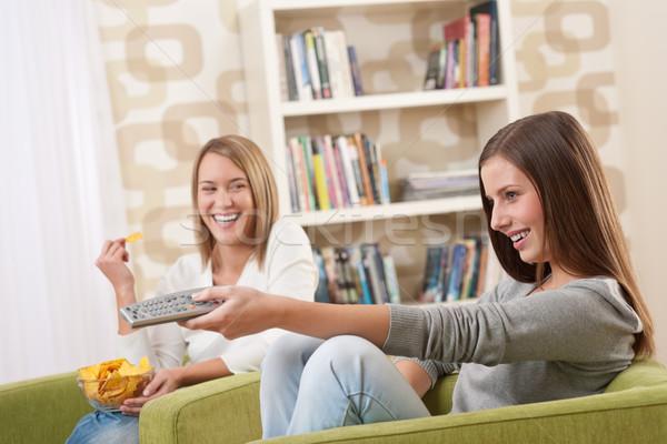 Foto stock: Estudiantes · dos · femenino · adolescente · comer