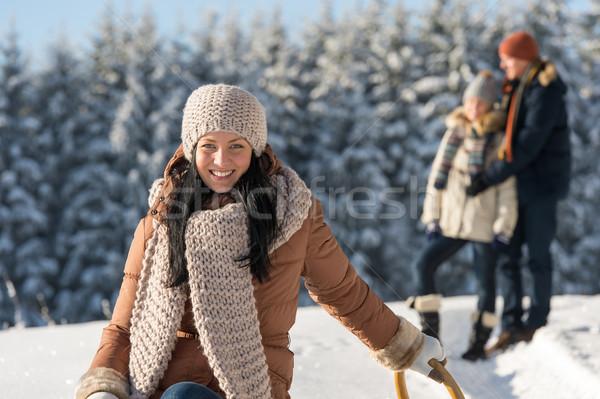 Zimą młodych ludzi znajomych cieszyć się śniegu Zdjęcia stock © CandyboxPhoto