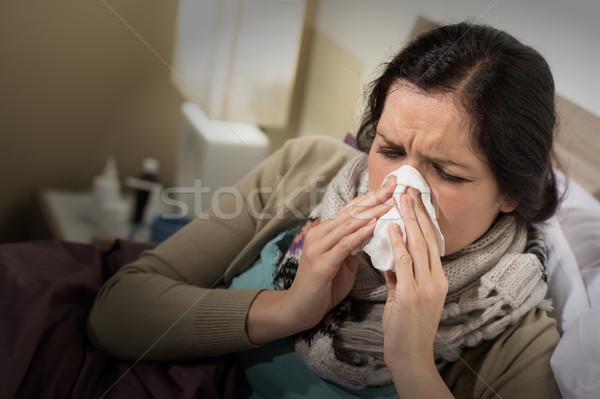Сток-фото: женщину · плохо · холодно · сморкании · кавказский · домой