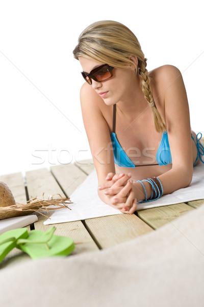 Stok fotoğraf: Plaj · mutlu · kadın · dinlenmek · bikini · güneş · gözlüğü