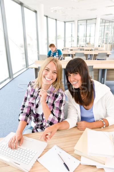 Trzy liceum studentów laptop klasie studia Zdjęcia stock © CandyboxPhoto