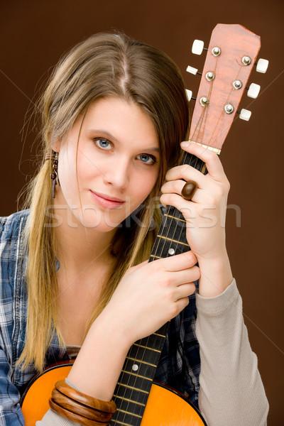 Rock músico moda mujer guitarra Foto stock © CandyboxPhoto