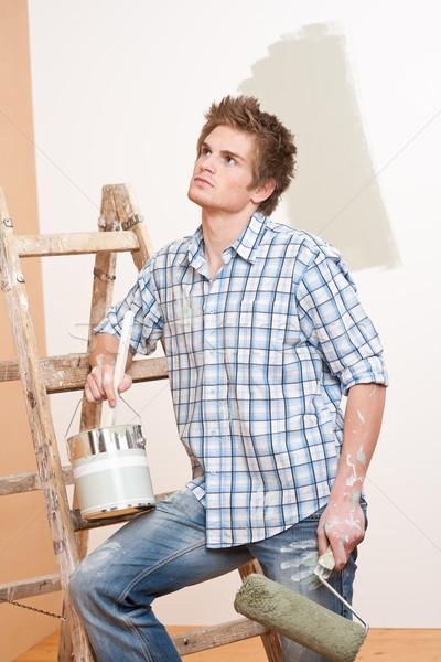 Melhoramento da casa moço pintar escada casa Foto stock © CandyboxPhoto