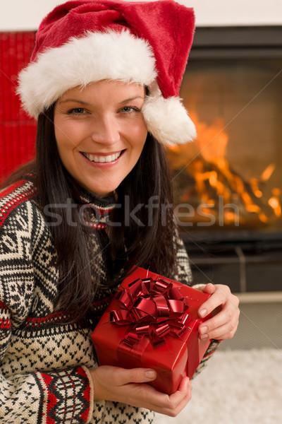 Stok fotoğraf: Noel · sunmak · kadın · şapka · ev