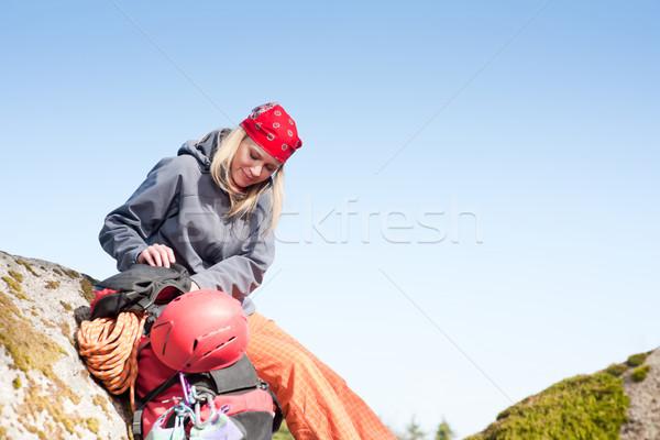 Aktif kadın kaya tırmanışı dinlenmek sırt çantası genç kadın Stok fotoğraf © CandyboxPhoto