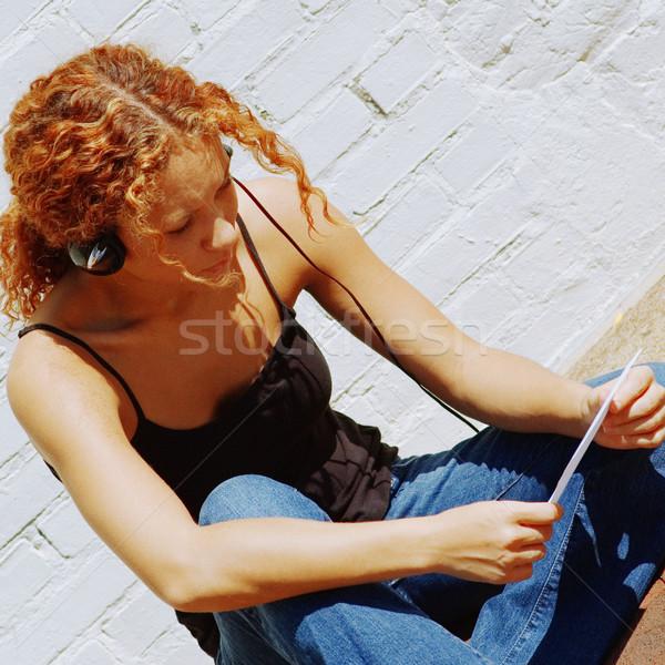 Városi lány vonzó fehér téglafal nő Stock fotó © cardmaverick2