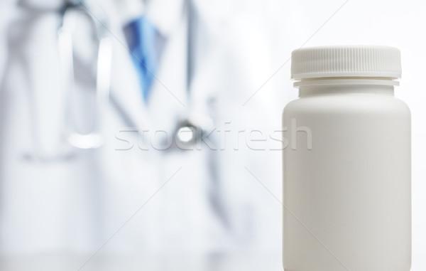Suprimentos médicos isolado brilhante branco homem medicina Foto stock © cardmaverick2