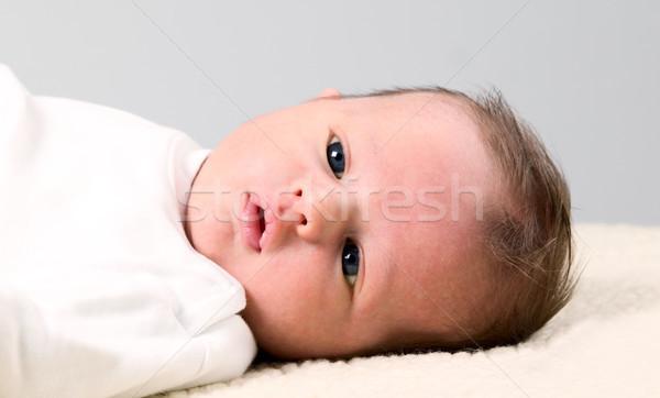 Baby chłopca biały koc Zdjęcia stock © carenas1