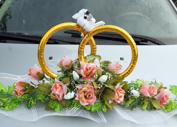Foto stock: Casamento · automático · buquê · de · casamento · carro · carros · casamento