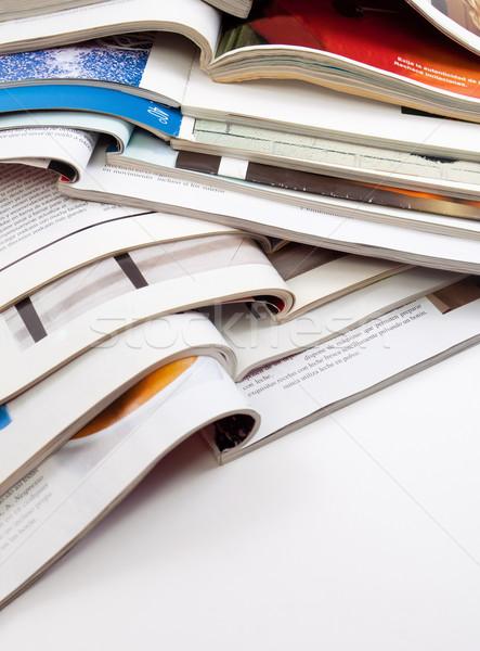 Magazinok könyvek közelkép kép néhány iroda Stock fotó © carloscastilla