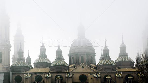 Basiliek detail oude architectuur mist Stockfoto © carloscastilla