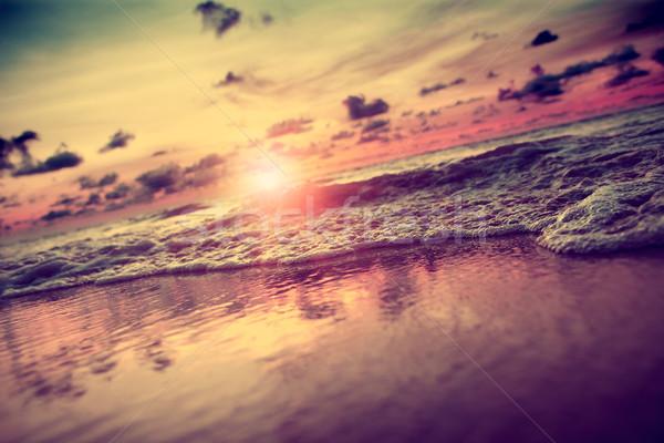 Zonsondergang zeegezicht golf strand hemel Stockfoto © carloscastilla